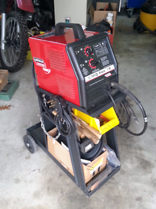 Mig-Pac 15 MIG /Flux Cored Wire Feed Welder $525