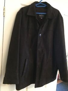 Men's leather jacket made in Italy w/ zip out lining - large