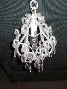 Small Chandelier. (Plug in)