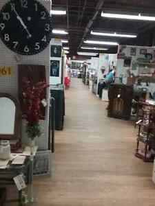 Canada's largest antique mall 600 booths to explore  Stratford Kitchener Area image 3