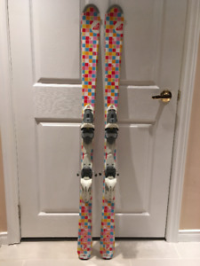 140cm Roxy Girls Skis, Good Condition