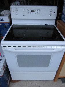 """Stove 30"""", White Kenmore, Self-Cleaning, Used"""