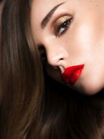 Mobile Makeup Artist Will Glam You For Your Day