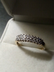 10 k gold and diamond ring