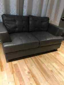 Sofa+causeuse en cuir laminé~Presque neuf!! West Island Greater Montréal image 1