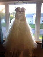 Wedding dress Venus vii collection size 12 - lace up back! Ivory