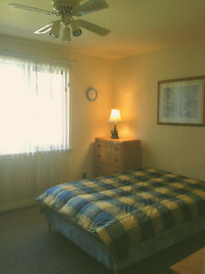 Call/Text!!!OPENHOUSE SATURDAY**ROOM AVAIL_ON DUNDAS***all incl.