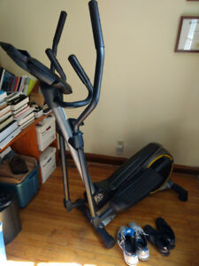 Elliptical in great condition--Gold's Gym Stride Trainer 350i