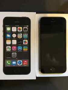 iPhone 5S Carbon Black locked to Bell