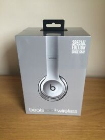 New Beats Solo 2 Wireless Headphones - Space Grey