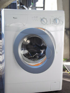 Mini Laveuse Whirlpool Frontale 24""