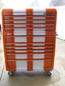 ULTRAPRO ROLLAWAY TOOL BOX (NEW)