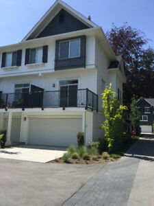 White Rock/South Surrey Furnished 3 Beds Townhouse for Rent