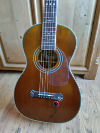 Washburn R314 Parlor guitar