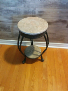 Plant stand accent table