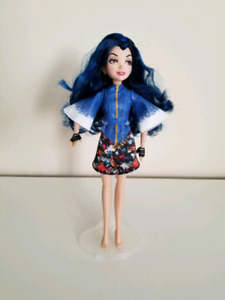 Descendants - Evie Doll