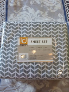 King Sized Flat Sheet with 2 Pillow Cases New in Package