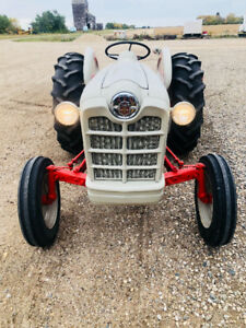 1961 Ford Tractor 800 Series