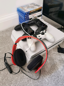 Ps4 White 500GB Console + 3 Controllers, Games + Gaming Headphones!