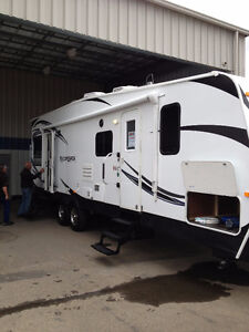 TOY HAULER - Dutchman 2014 EUC Model 2950
