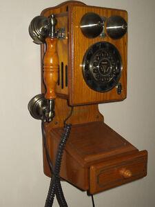 RÉPLIQUE DE TÉLÉPHONE ANTIQUE, FONCTIONNEL : $115.00