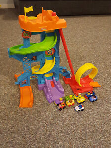 Fisher-Price Little People Loops 'n Swoops Amusement Park Kitchener / Waterloo Kitchener Area image 1