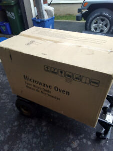 Electrolux Microwave New