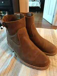 Ladies Roots Shorty Boot Tribe Sz 7 $100 OBO