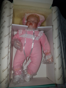 Ashton Drake Elizabeth's Homecoming Porcelain Doll - NEW in Box