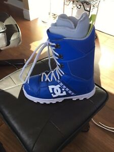 Snow board boots size 10-11
