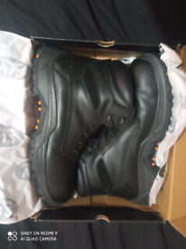 Men's size 11 Quality safety boots