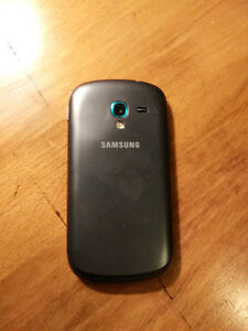 Samsung Galaxy Exhibit phone for sale. Currently on WIND