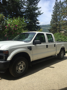 2009 Ford F-250 XL Pickup Truck Super crew