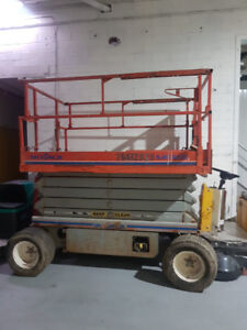 SKYJACK SCISSOR LIFT FOR SALE !!!