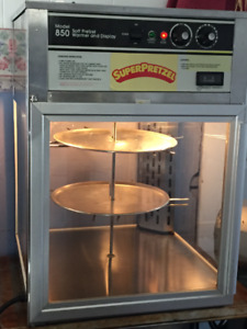 Heated Pizza or Pretzel food humidified warmer cabinet
