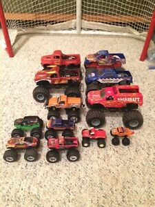 Monster Trucks  - 12 Trucks