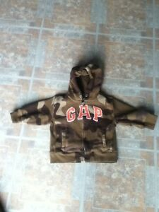 Baby Gap Camo fleece zip up hooded jacket in St Thomas