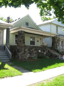 Beautiful walkerville  3 beds house available June 1