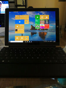 GREAT CONDITION Microsoft Surface 2 w/ keyboard