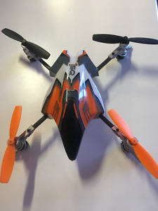 --HELI-MAX 1SQ QUAD COPTER 2.4GHZ RTF.MINT-OBO.