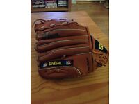 Vintage Official Wilson baseball/softball glove size small