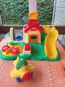 Parc Fisher Price... et petit avion
