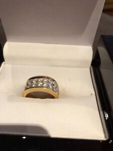 Ladies 18k Yellow & White Gold Diamond Ring