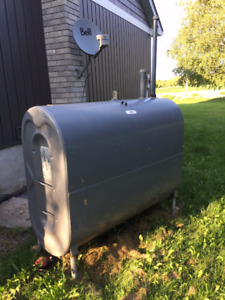 Olsen High Efficeny Oil Furnace with Oil Tank and AC UNIT!