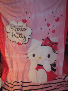 Hello Kitty Bed Set (4 pillow Cases and 2 bed covers)