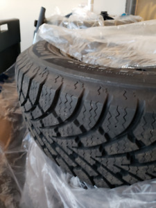Goodyear Nordic Winter Tires on the Rim for Sale (225\60R17)