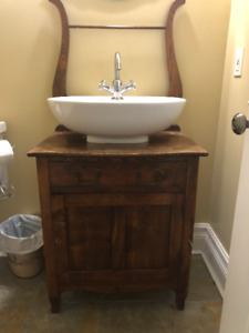 Harp Back Bathroom Vanity with Sink and Tap