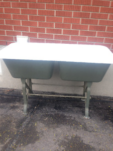 port hope cast iron wash sinks with legs