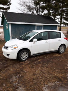 For Sale2012 Nissan versa