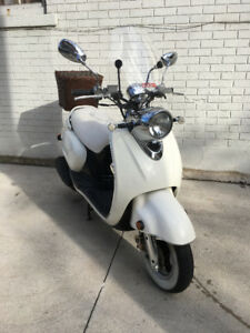 Yamaha Vino 125, 2005 with Engine upgrade and speakers